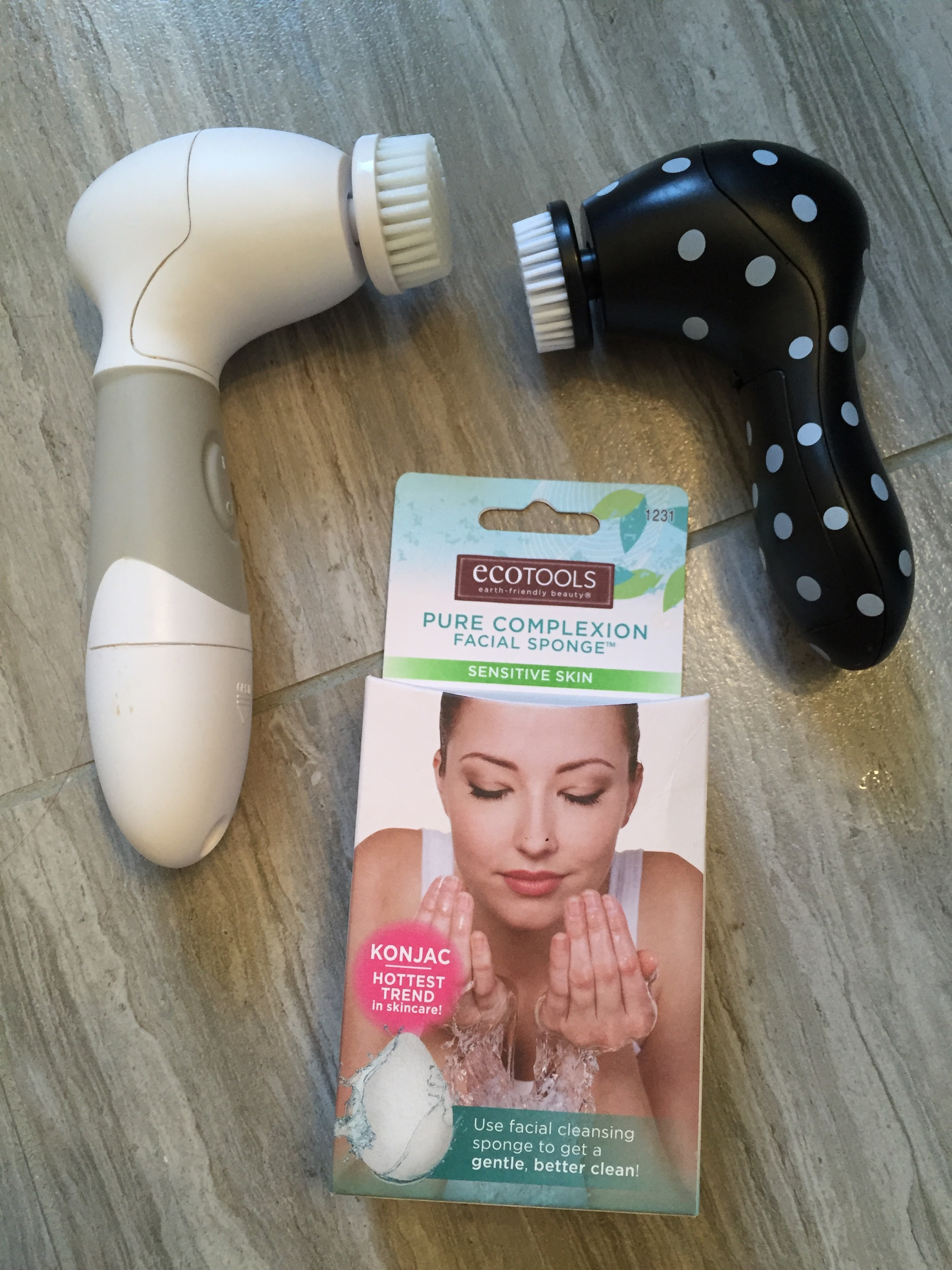 skincare tools, facial cleansing brushes